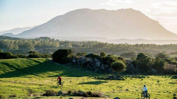In bicicletta nelle campagne tra Orosei e Galtelli